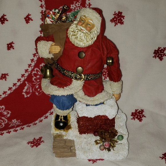 CHRISTMAS: Make a Papier Mache Santa Figure! | Hometalk | 580x580